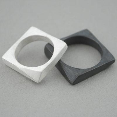 Alianzas de plata cuadradas y triángulo