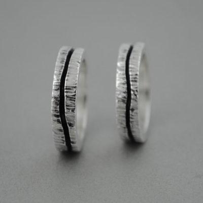 Alianzas de plata corteza de árbol y línea