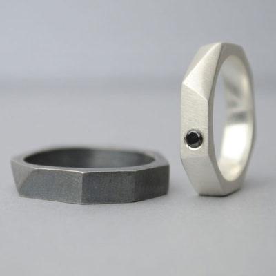 Alianza de plata y diamante