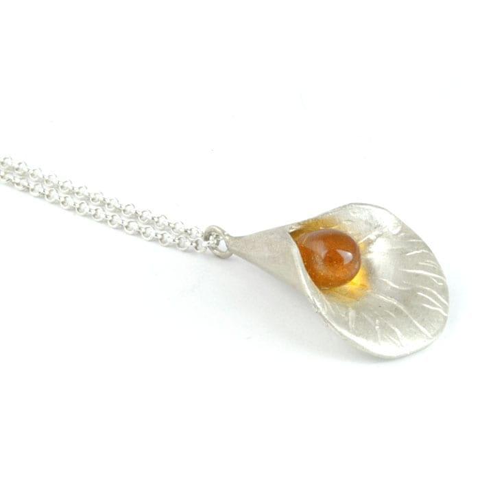 Gargantilla de plata flor y vidrio